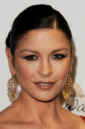Catherine_Zeta_Jones_Welcome_Wales_Media_Room_rCwdpkg-7Z2l.jpg