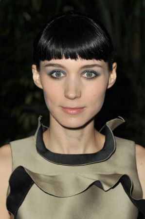 Rooney_Mara_12th_Annual_AFI_Awards_Red_Carpet_DYcgLbLqqmfl.jpg