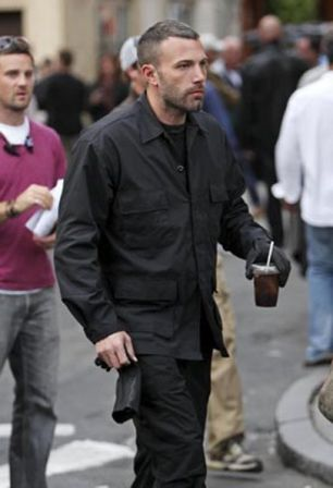Ben_Affleck_Leaving_Set_Town_5clKth9d-Bol.jpg