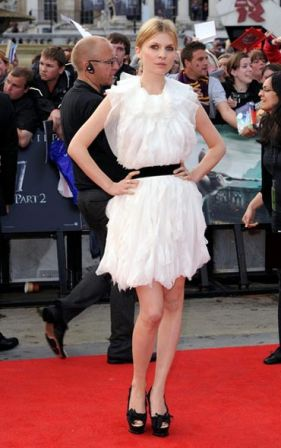 Harry_Potter_Deathly_Hallows_Part_2_premiere_WmKq7zzRO21l.jpg