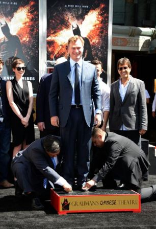 Christopher_Nolan_Immortalized_Hand_Footprint_2at3H0h1KISx.jpg