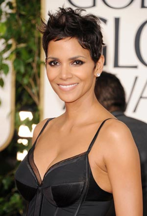 Halle_Berry_68th_Annual_Golden_Globe_Awards_Bn1bt7Lkyccl.jpg