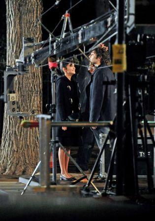 La délicatesse, le film .Audrey_Tautou_filming_La_Delicatesse_Paris_QY35skxykqjl_m