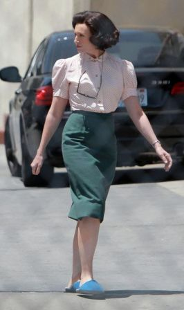 Toni_Collette_Set_Hitchcock_f6V3jwm7fIjl.jpg