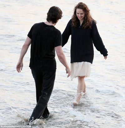 terrence-malick-movie-image-set-photo-portman-bale-4.jpg