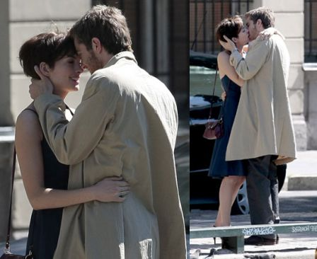 aba9ddd276d51aed_Pictures_of_Anne_Hathaway_Kissing_Jim_Sturgess_Filming_One_Day_in_Paris.jpg