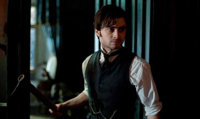daniel-radcliffe-social-promo-for-the-woman-in-black-7cb32.jpg